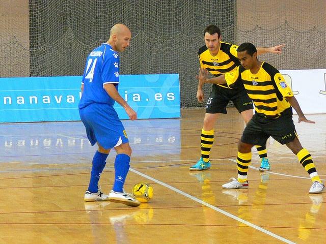 Fundamento Drible no Futsal