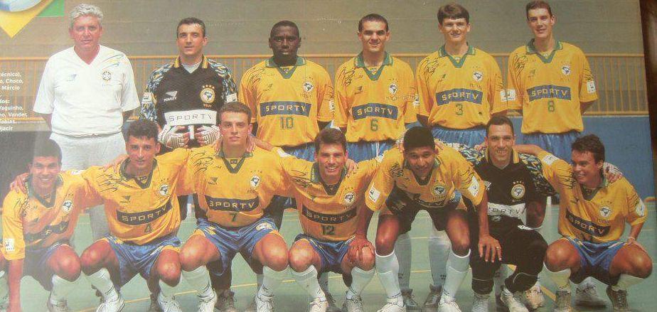 História do Futsal no Brasil e no Mundo    )    f57d0a33056aa