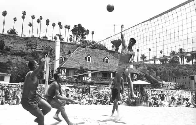Origem e História do Voleibol: O VOLEIBOL DE PRAIA NA HISTÓRIA DO VOLEIBOL
