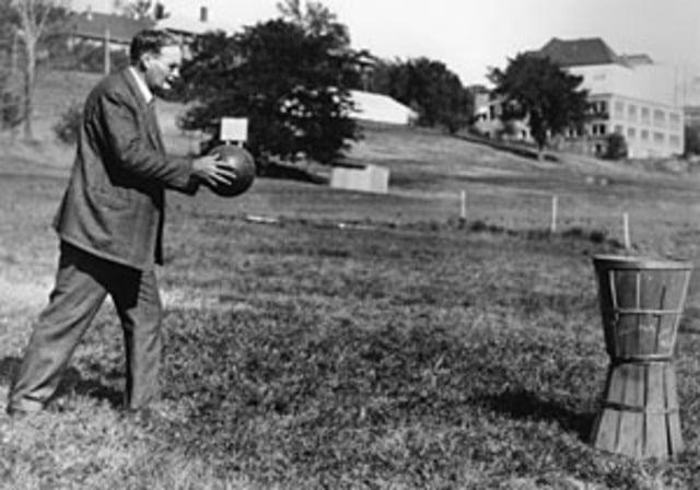 História e Regras do Basquete: James Naismith