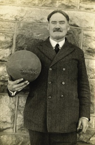 James Naismith o criador do Basquetebol