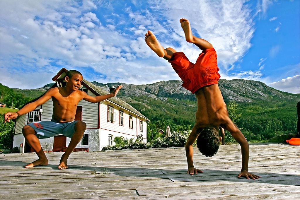 Abordagem Cultural na Educação Física escolar: práticas corporais da cultura corporal de movimento na Educação Física