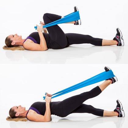 Melhores exercícios para pernas e glúteos: leg press com elástico