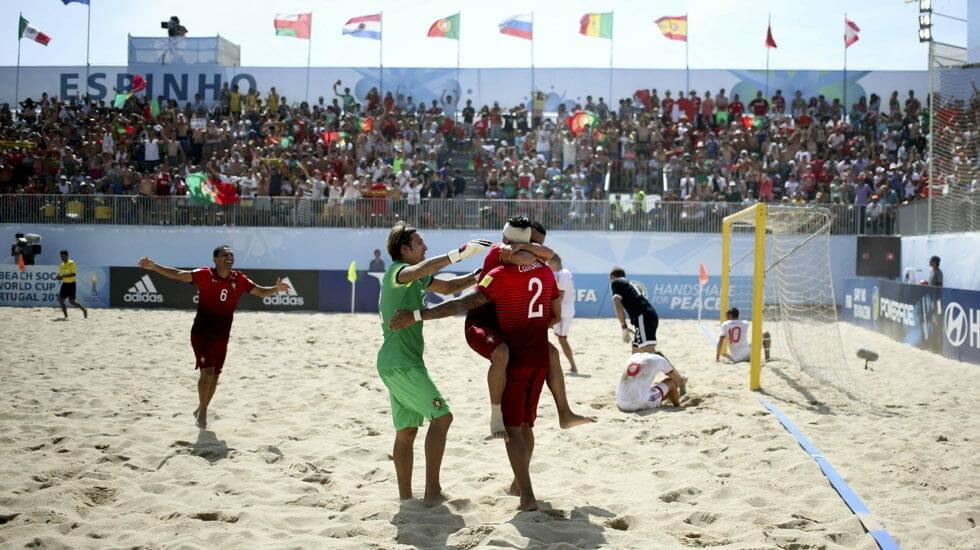 A História do Futebol de areia, o popular futebol de praia.