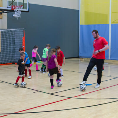 Planos de aula de Futsal para o ensino fundamental e ensino médio.