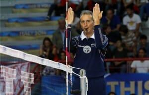 Sinalização de marcação de bola fora nas regras do Voleibol